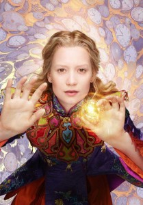 Alice Through the Looking Glass Mia